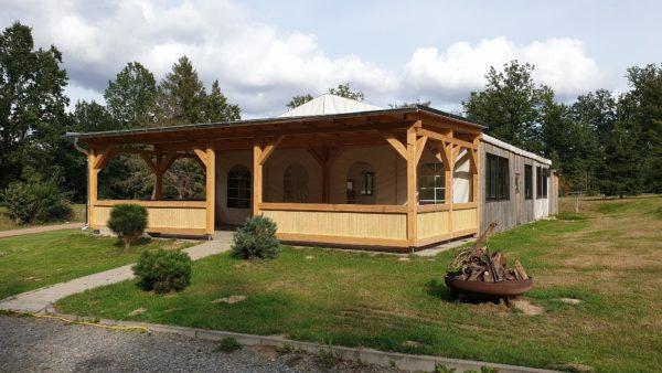 Großes Festzelt im Naturbad Niederwiesa
